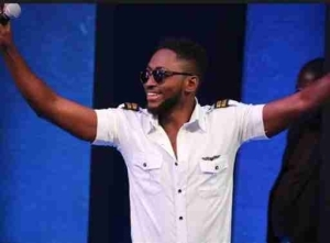 #BBNaija: Miracle's Mother Campaigns For Him, Urges Fans To Vote (Video)